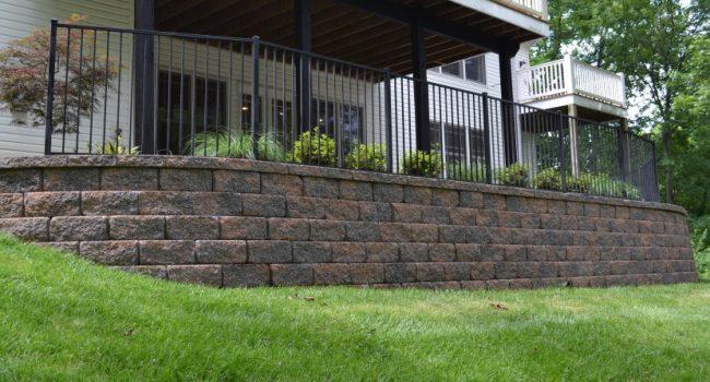 Lances-Landscaping-Retaining-Walls-St-Louis-960x447